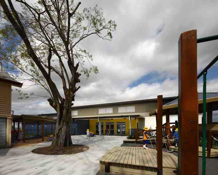 Bulimba State School Hall and classroom building by Biscoe Wilson Architects